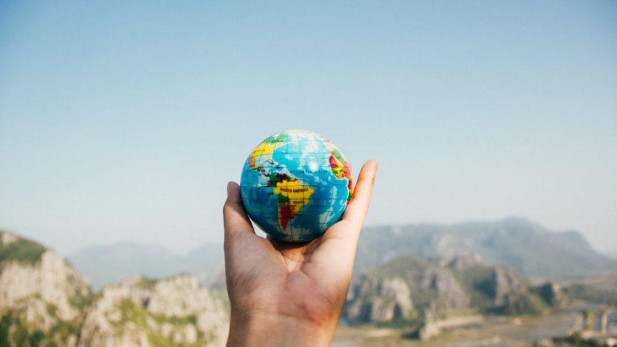 「世界のすべては他人事」カズレーサーの記事から、現代人の涙を観る